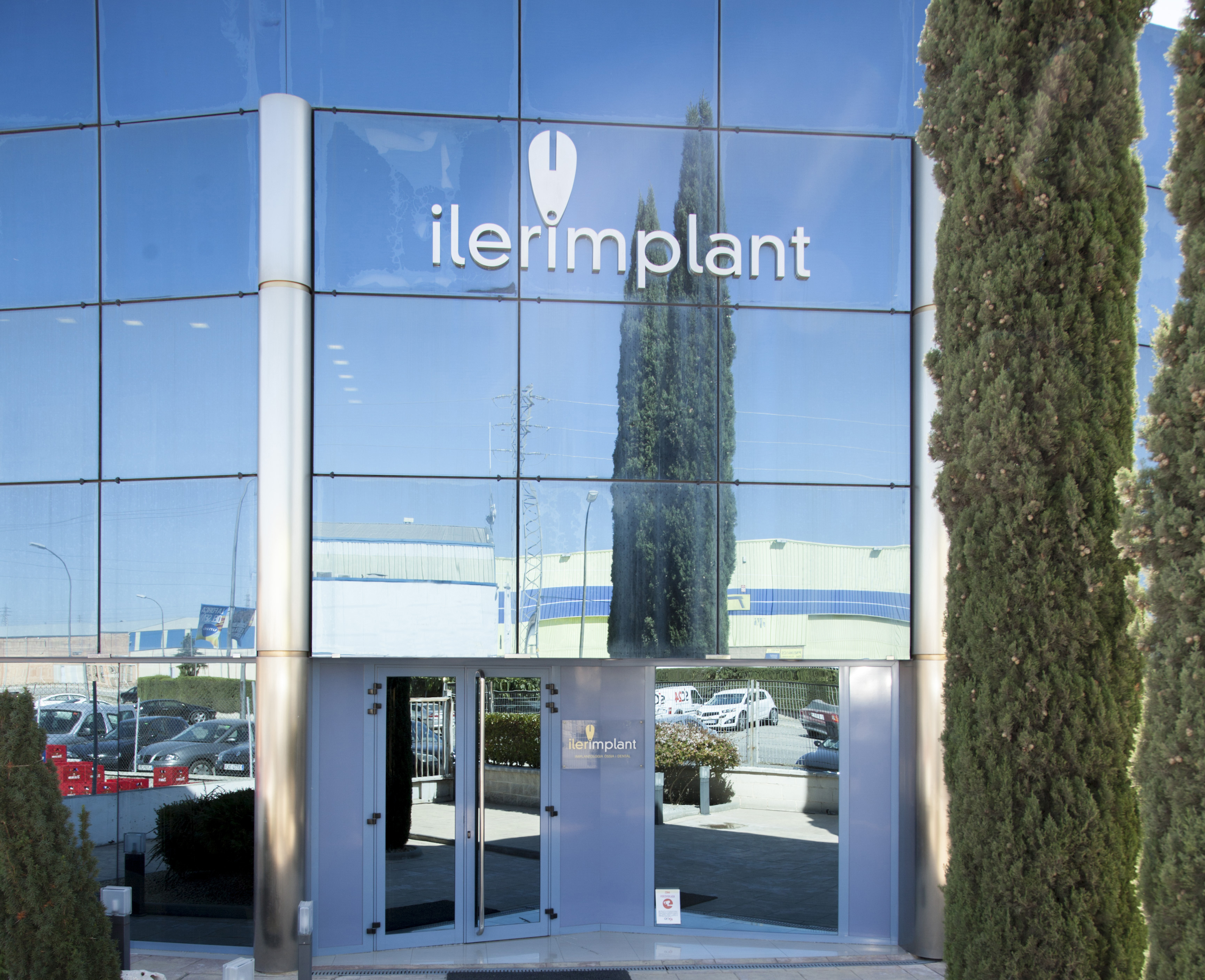 Ilerimplant collaborates in the research project IMPLANTSOL with the Universities of País Vasco (EHU) and Castellón (UJI)